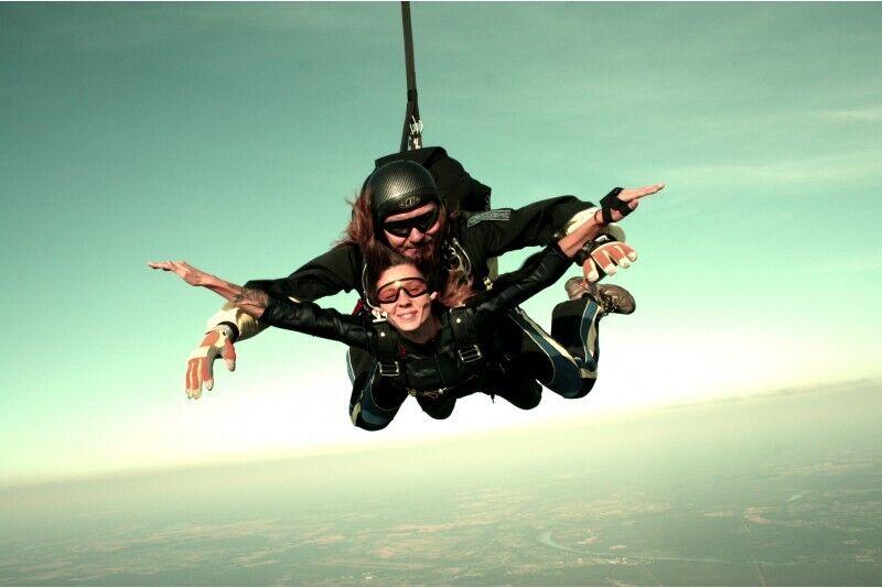 Skoki spadochronem tandem z instruktorem z wysokości 3000m