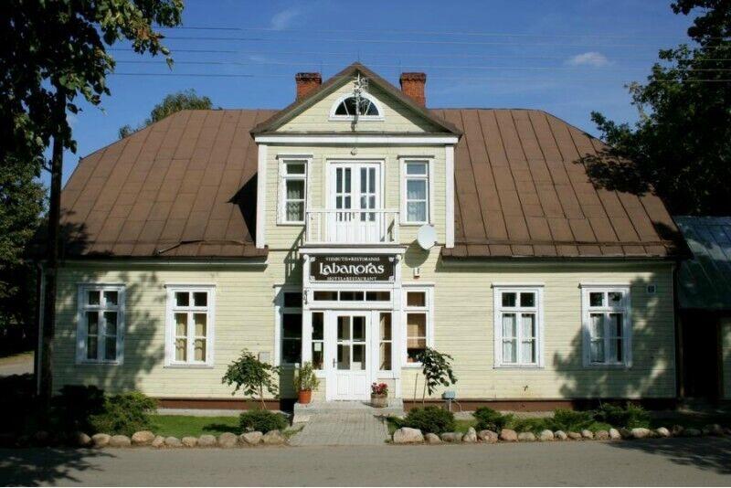 """Romantyczny nocleg w hotelu """"Labanoras"""" na Litwie"""