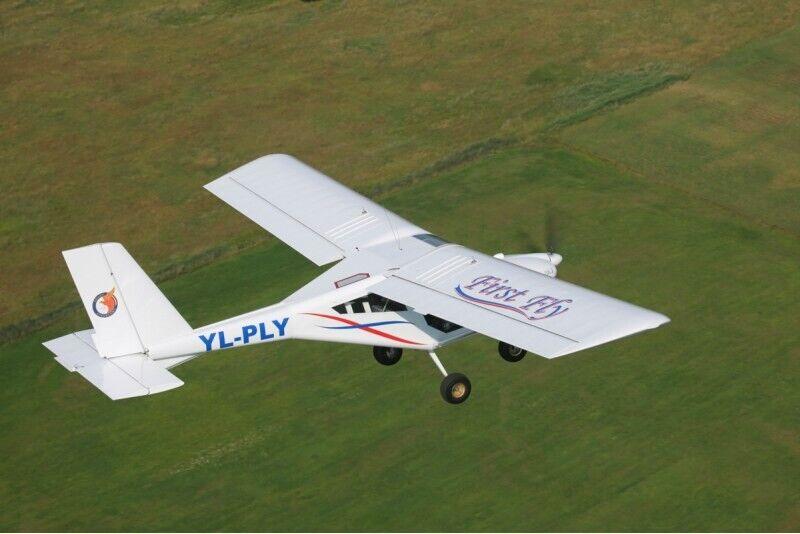 Lot dwuosobowym samolotem AEROPRAKT-22