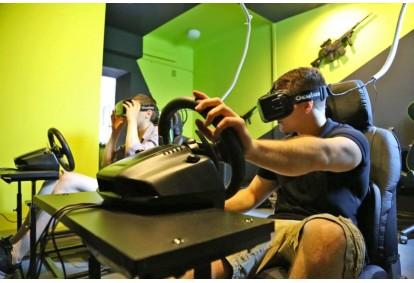 Gra wirtualnej rzeczywistości dla przyjaciół w Warszawie
