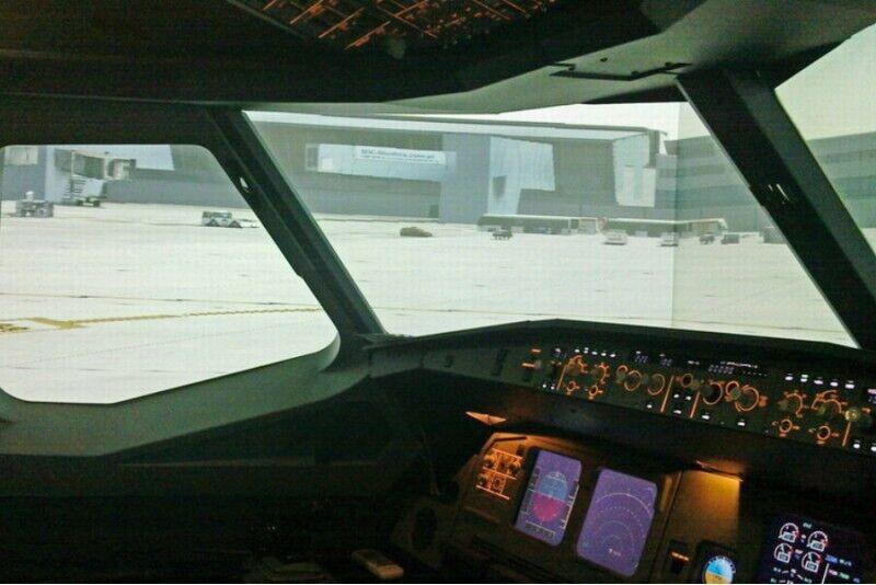 Trening na symulatorze lotniczym Airbus A320 w Gdańsku