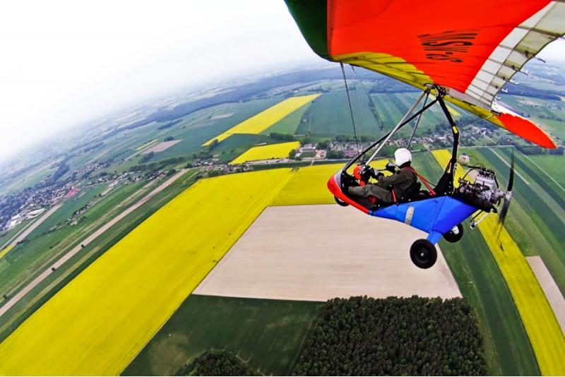 Lot motolotnią dla dwojga w okolicach Warszawy