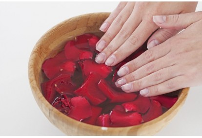 Manicure japoński oraz masaż dłoni w Warszawie