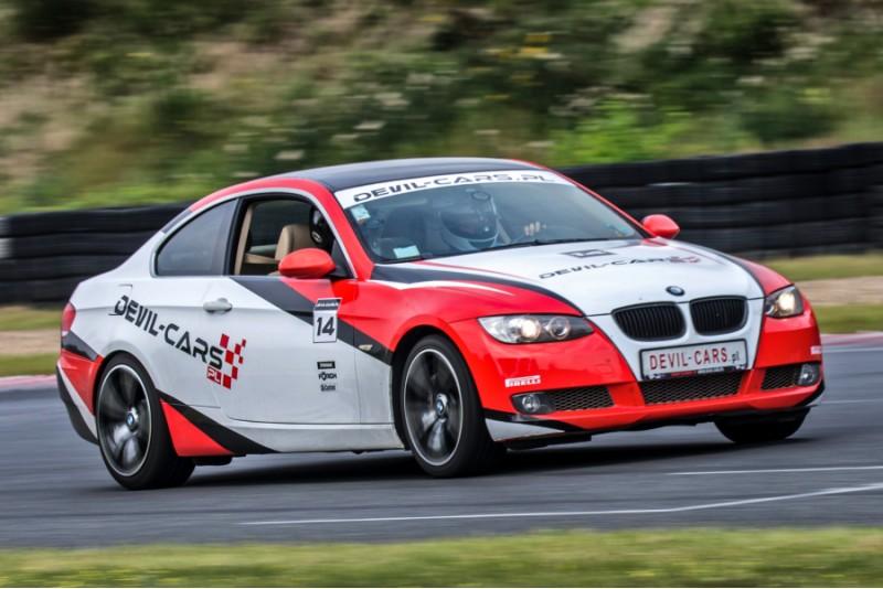 Przejażdżka za kierownicą samochodu BMW BiTurbo Performance na torze głównym Poznań