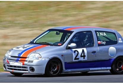 Udział w Tor Poznań Track Day na wybranym samochodzie : Renault Clio II Sport FIA lub BMW 330i E46 Club Sport