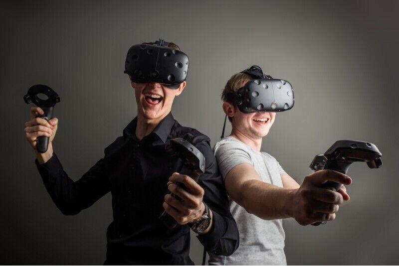 Zabawa w salonie wirtualnej rzeczywistości VR Warsaw dla grupy