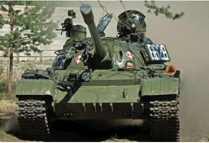 Przejażdżka czołgiem T-55 + zwiedzanie Muzeum Techniki Wojskowej GRYF