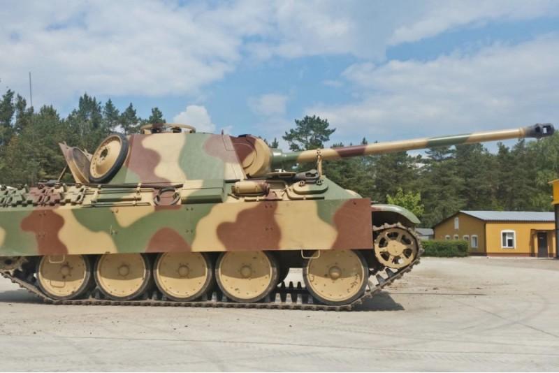 Przejażdżka czołgiem Pantera + zwiedzanie Muzeum Techniki Wojskowej GRYF