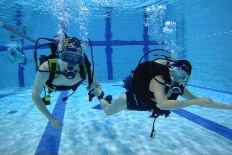 Próbne nurkowanie na basenie koło Gliwic dla dwojga