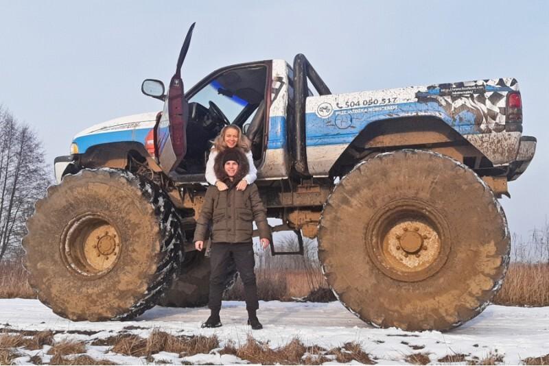 Jazda za kierownicą Monster Truck'a dla 1 osoby w Warszawie