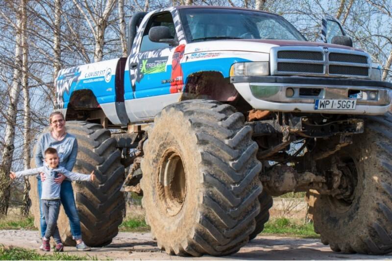 Jazda za kierownicą Monster Truck'a dla 2 osób w Warszawie