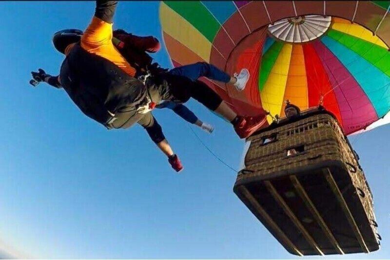 Skok spadochronowy z balonu w Karkonoszach