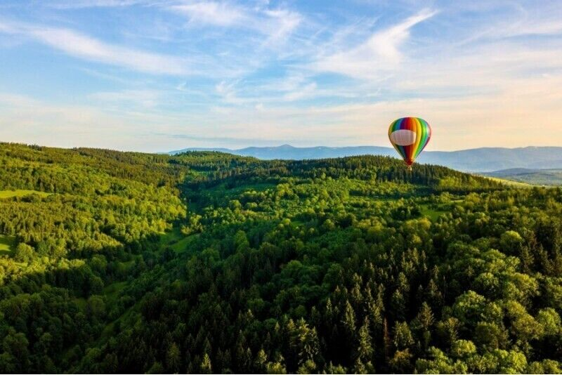 Lot balonem dla osób z ograniczoną mobilnością w wybranym mieście