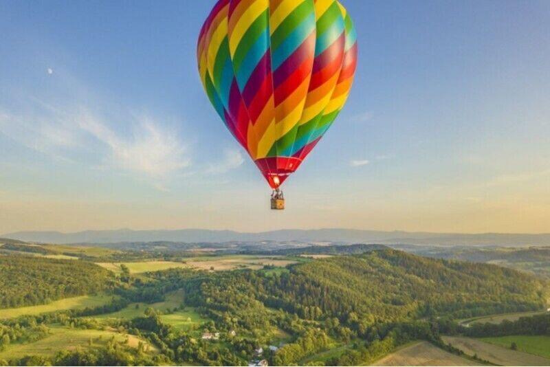 Lot balonem dla dwojga z noclegiem w Karkonoszach