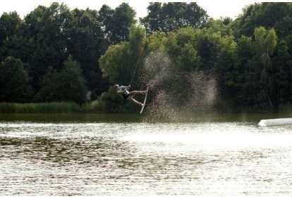 lekcja-wakeboardingu-z-instruktorem