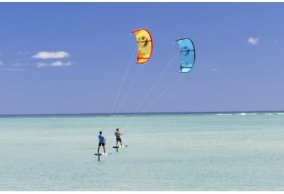 kurs-kitesurfingu-poczatkujacy-dla-dwojga-we-wladyslawowie