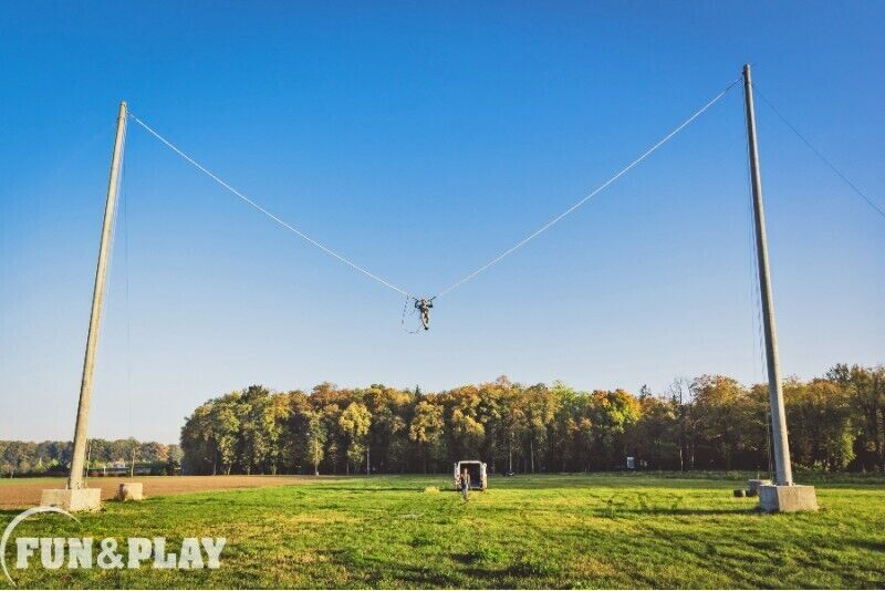 Strzał z ludzkiej procy w parku rozrywki Fun&Play