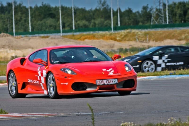 Pojedynek aut Lamborghini, Ferrari i Audi w Poznaniu