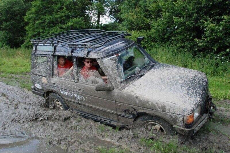 Jazda samochodem terenowym z instruktorem w Piwnicznej-Zdroju
