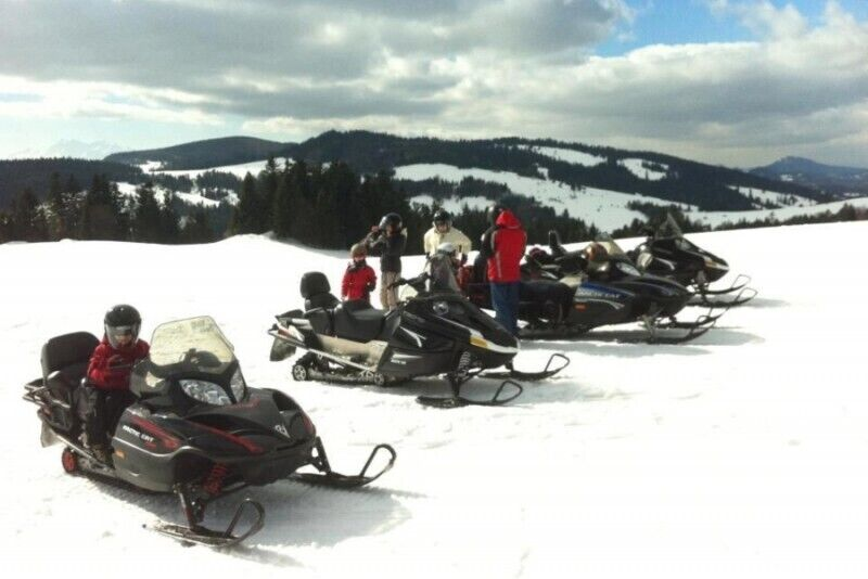 Jazda skuterem śnieżnym w wybranym miejscu dla 2 osób