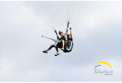 akrobatyczny-lot-paralotnia-w-borsku
