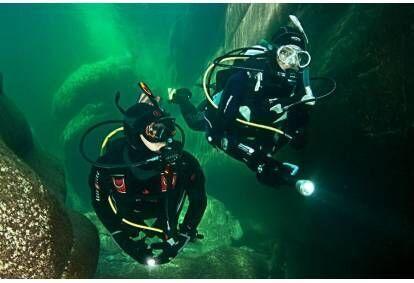 Odkryj nurkowanie w Jeziorze Budzisławskim niedaleko Poznania