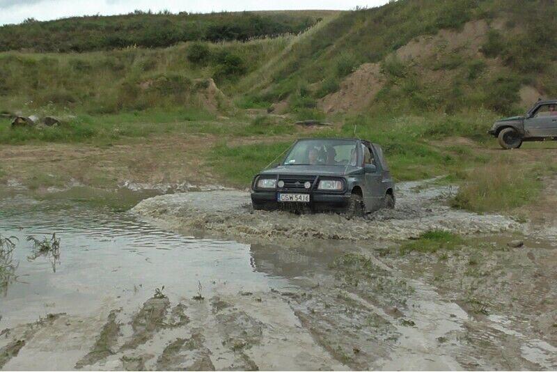 Dwugodzinna terenowa jazda 4x4 off-road za kierownicą