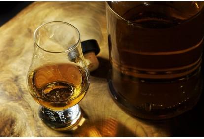 Degustacja whisky w Podgórskim Salonie Degustacyjnym w Krakowie