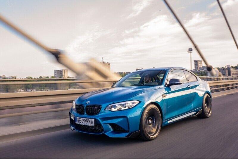 Wynajem samochodu BMW M2 w Warszawie