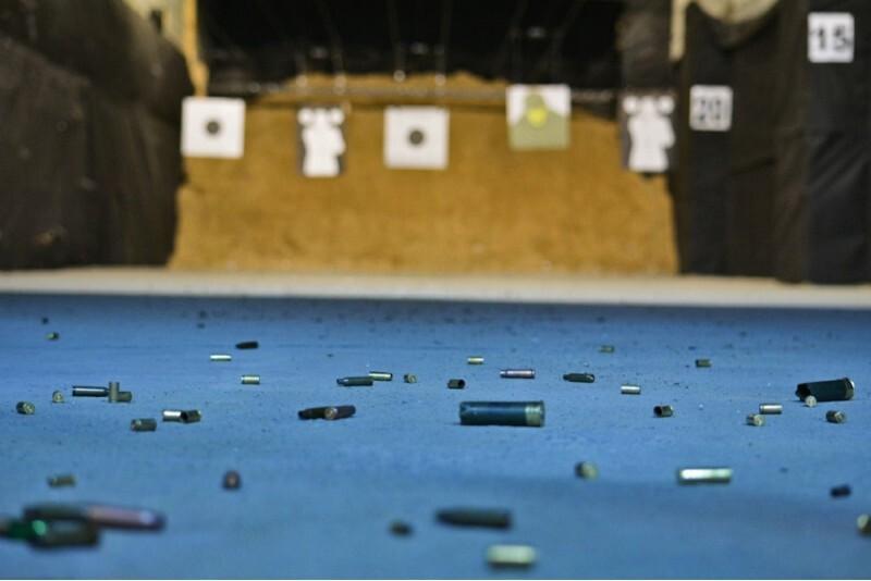 Strzelanie Alpha w strzelnicy FSO w Warszawie