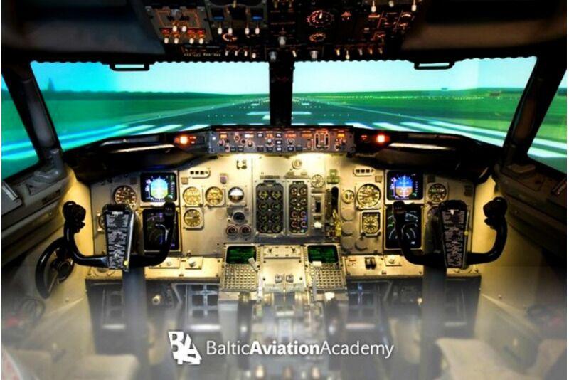 Ekstremalny lot Boeing 737 symulatorem w Wilnie na Litwie