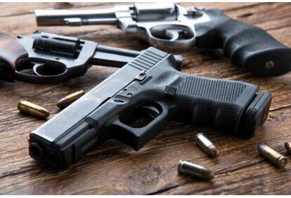 Strzelanie z różnych rodzajów broni w Łodzi