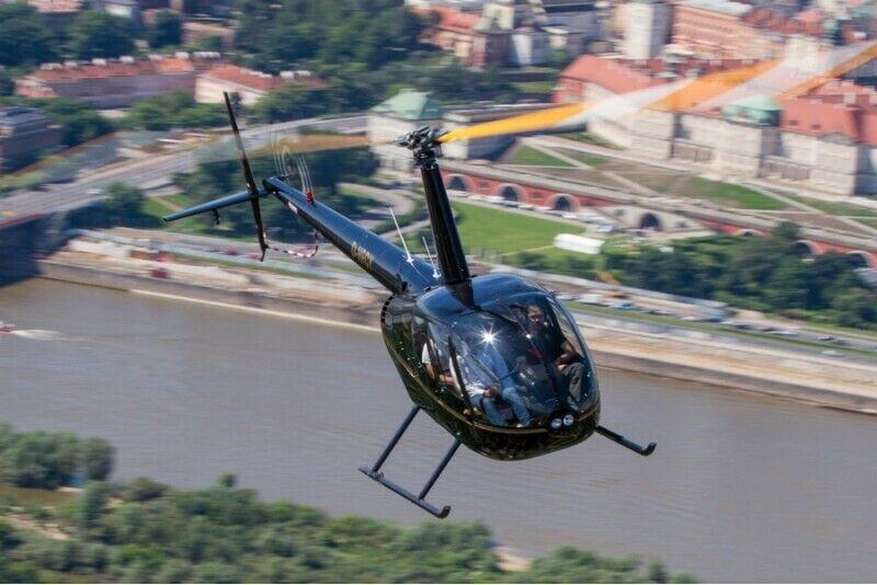 Ekskluzywny lot widokowy śmigłowcem nad Warszawą