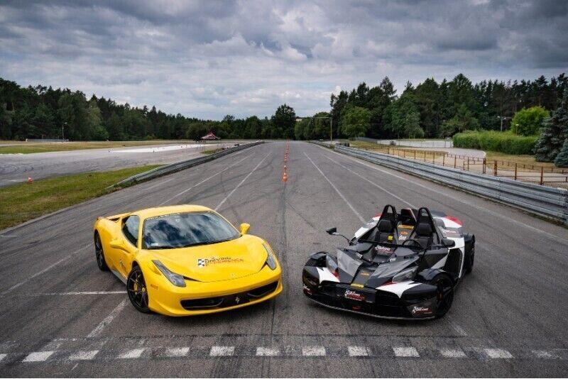 Ferrari vs KTM X-Bow w Kielcach z pakietem Gold