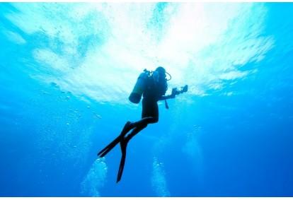 Poznaj nurkowanie z First Dive w Warszawie