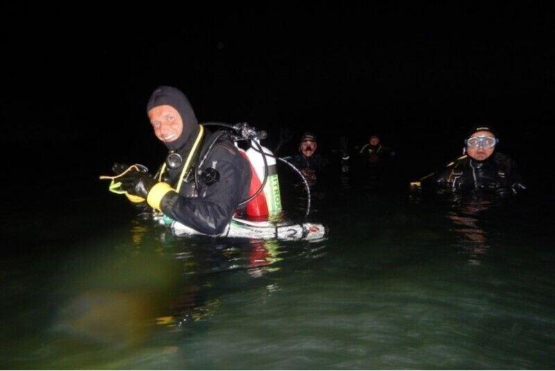 Kurs nurkowania nocnego z First Dive