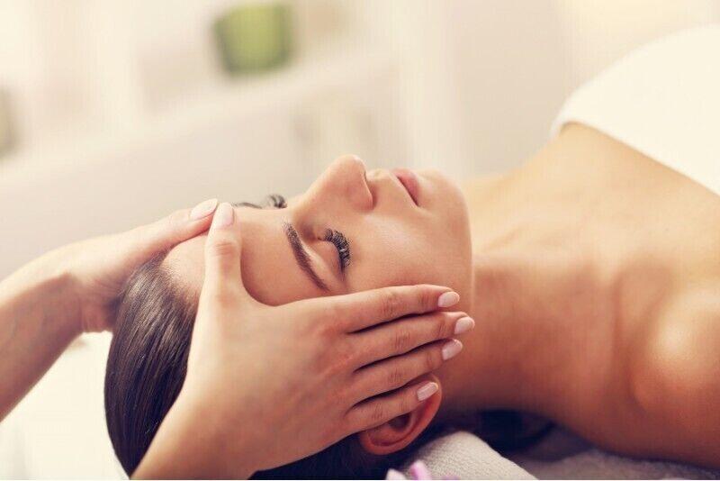 Indonezyjski masaż twarzy w salonie Samui Spa