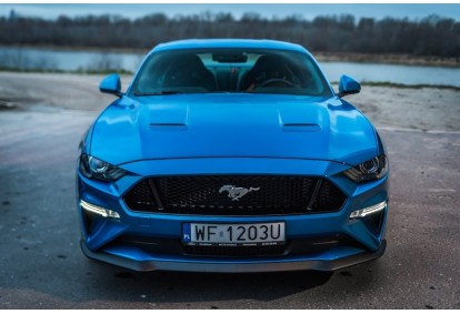 Jazda Fordem Mustangiem ulicami Łodzi