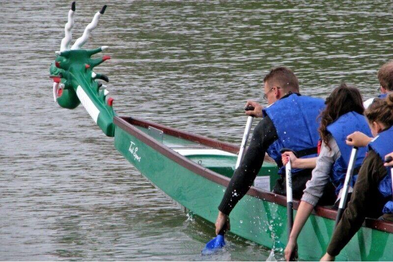 Rejs drewnianym galarem po Krakowie ze sternikiem