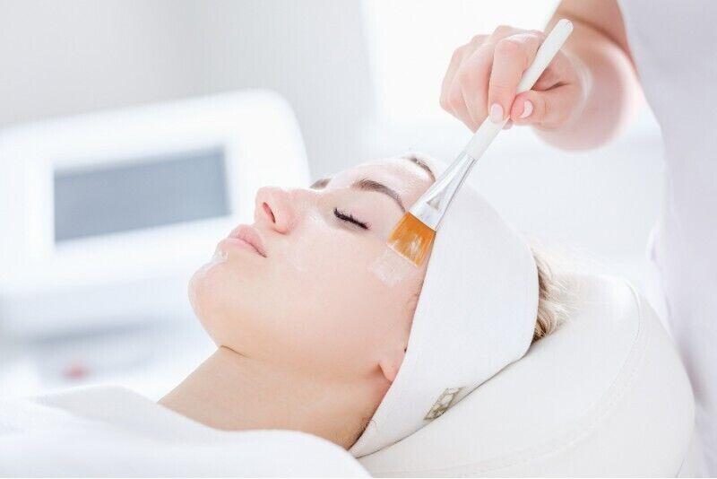 Odżywienie oraz regeneracja twarzy, szyi i dekoltu
