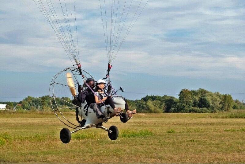 Lot motoparalotnią w okolicach Poznania