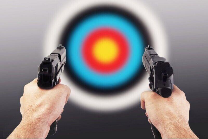 Strzelanie z pakietem HK w strzelnicy FSO w Warszawie
